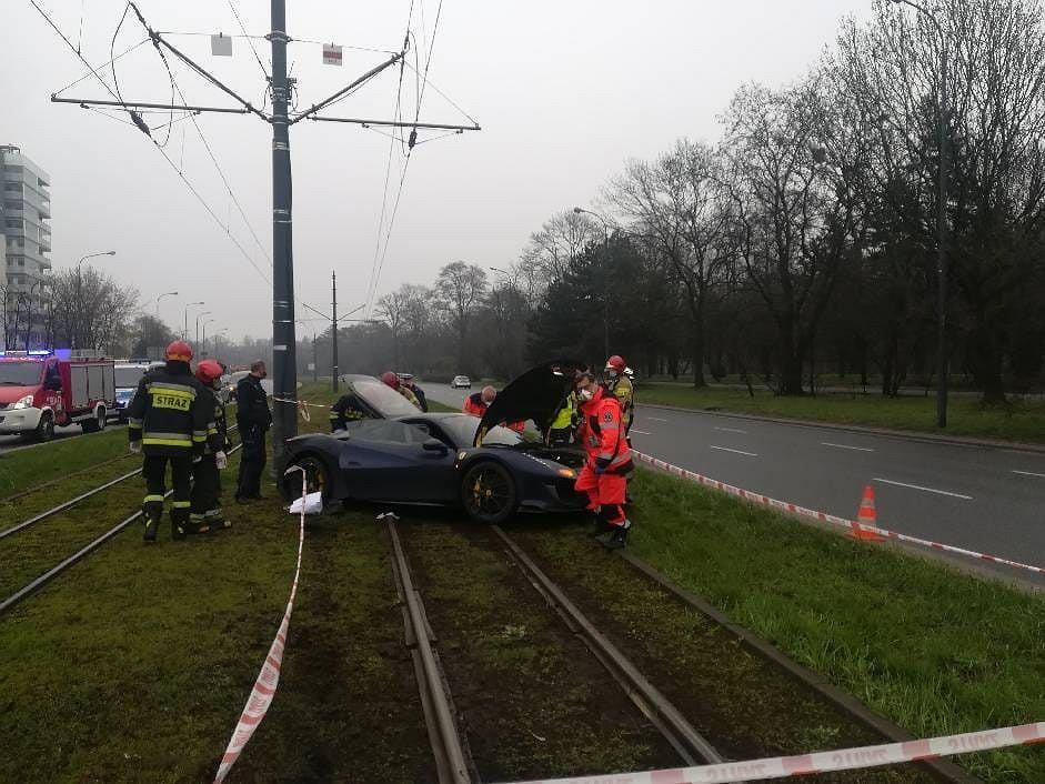 Rozbite Ferrari 488 Pista w Łodzi