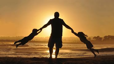 Wierszyki na Dzień Ojca. Piękne rymowanki i życzenia z okazji Dnia Taty