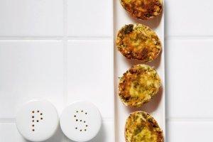 Jajka faszerowane na wielkanocny stół. Klasyki są pyszne, ale możesz czasem zaszaleć