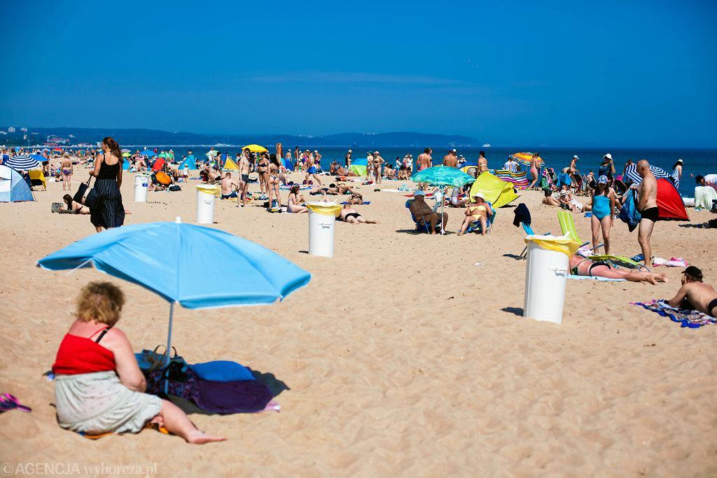 Bon turystyczny można realizować wyłącznie w Polsce, płacąc nim za usługi hotelarskie, imprezy turystyczne realizowane przez przedsiębiorców turystycznych albo organizacje pożytku publicznego, którzy przystąpili do projektu 'Polski bon turystyczny'.