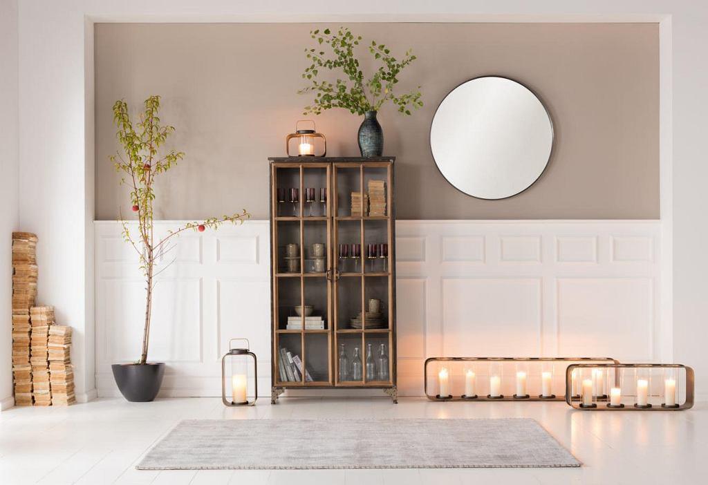 Stylowy kredens w eleganckim salonie