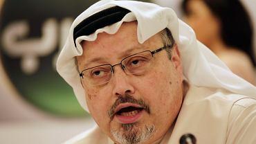 Saudyjski publicysta Dżamal al-Khashoggi podczas konferencji w Bahrainie.  Manama, 1 lutego 2015