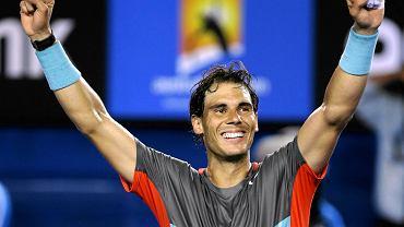 Rafael Nadal triumfuje po pokonaniu Rogera Federera w półfinale AO