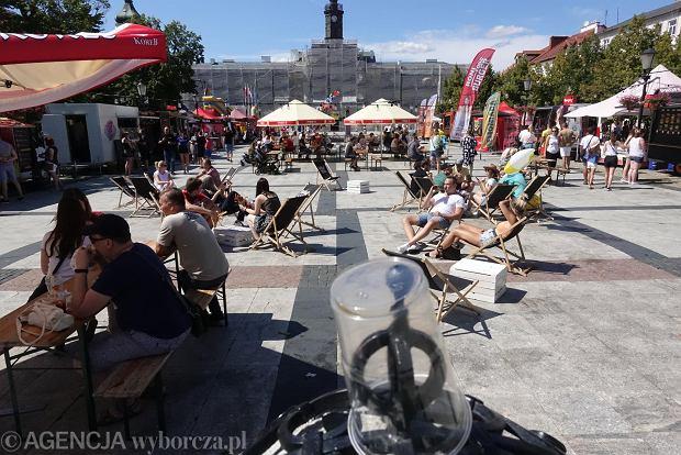 Zdjęcie numer 0 w galerii - Jeszcze tylko dziś II Festiwal Jedzenia i Picia  na Starym Rynku. Obejrzyjcie zdjęcia