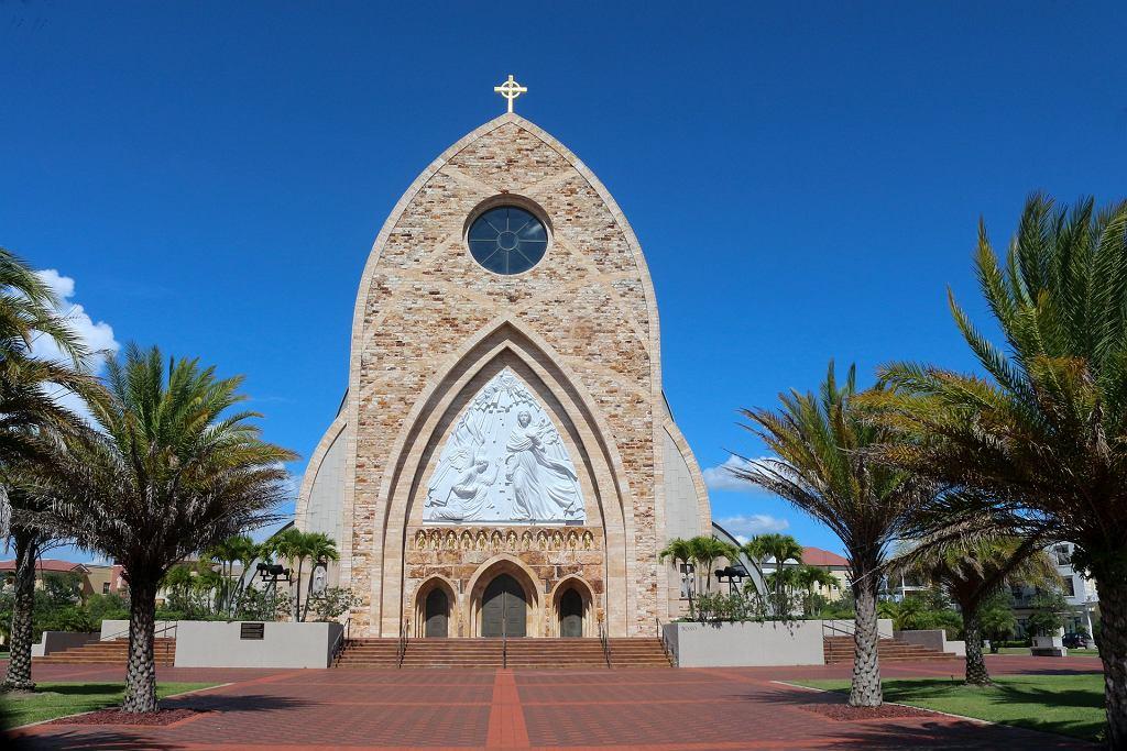 Ave Maria, czyli miasto 'po bożemu'. Stworzył je multimilioner od pizzy