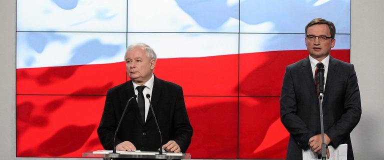 """Kaczyński przedstawił Ziobrze warunki. M.in. """"Porzucenie walki z LGBT"""""""