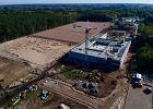 Tak powstaje nowy dom Legii. Budowa akademii piłkarskiej pod Warszawą na zdjęciach z drona