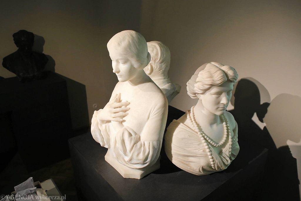 Galeria rzeźby polskiej w Starej Oranżerii w Łazienkach Królewskich / JACEK MARCZEWSKI