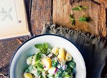 Sałatka ziemniaczana zsosem kefirowo-musztardowym - ugotuj