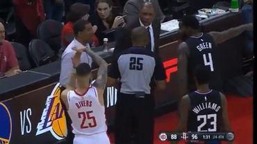 Niecodzienna sytuacja w NBA. Koszykarz Houston Rockets prowokował swojego ojca i 'wyrzucił' go z boiska'