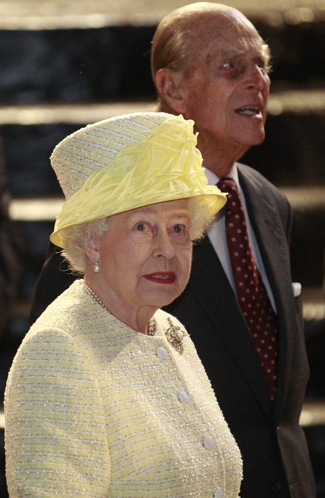Królowa Elżbieta i książę Filip na planie serialu 'Gra o tron'