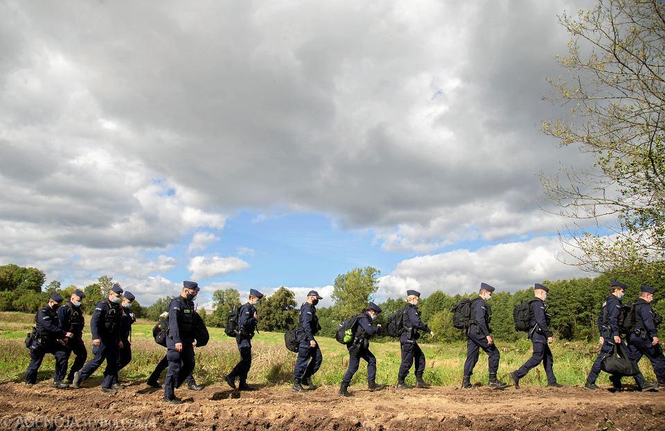 Usnarz Górny. Szef MSWiA chce przedłużyć stan wyjątkowy o 60 dni ( zdjęcie ilustracyjne ).