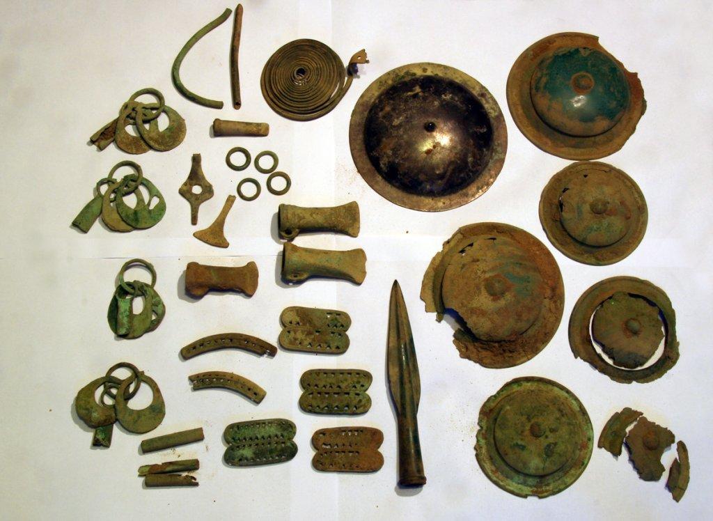 Skarb z epoki brązu odnaleziony pod Chojnicami
