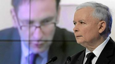 Jarosław Kaczyński, w tle Daniel Obajtek