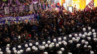 Marsz z okazji Dnia Kobiet w Stambule