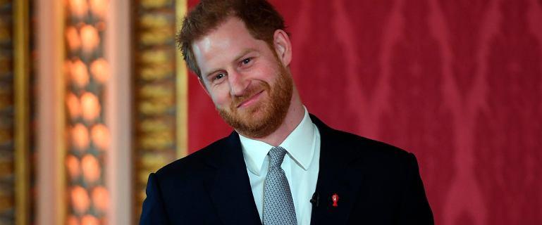 Książę Harry wyszedł z ukrycia. Zignorował pytania dziennikarzy