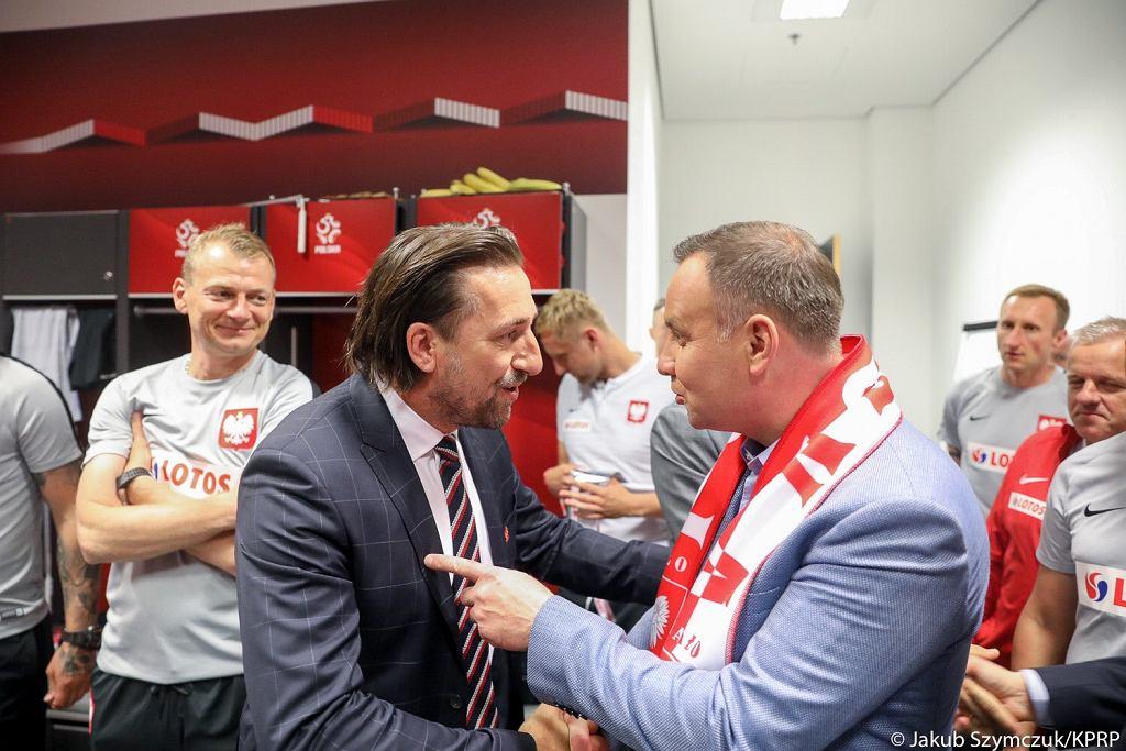 Tomasz Iwan i prezydent Andrzej Duda po meczu Polska-Litwa