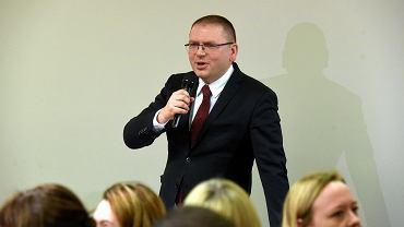 Maciej Nawacki podczas zebrania sędziów w Olsztynie