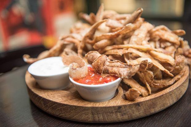 Chipsy z ziemniaczanych obierków