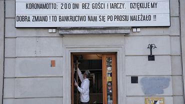 Rzecznik przedsiębiorców apeluje do rządu: Tarcze są dziurawe, a komornicy pukają nam do drzwi