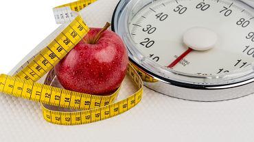 Dieta redukcyjna to nic innego jak zmiana swojego dotychczasowego jadłospisu na taki, który obniży łączną dzienną kaloryczność wszystkich posiłków o kilkaset kalorii
