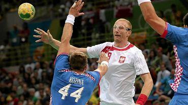 Rio de Janeiro, 17 sierpnia 2016 rok. Karol Bielecki podczas meczu Polska - Chorwacja na igrzyskach olimpijskich w Rio