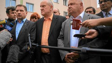 """Szef NSZZ """"Solidarność"""" Piotr Duda, przewodniczący forum związków zawodowych Tadeusz Chwałka i przewodniczący OPZZ Jan Guz"""