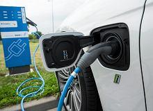 Polacy rejestrują coraz więcej pojazdów elektrycznych. Ale ich udział wciąż jest marginalny