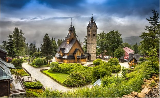 Na świecie jest zaledwie 25 takich konstrukcji. Wśród nich Świątynia Wang z polskiego Karpacza