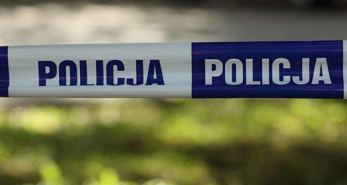 Policjanci pracowali na miejscu odnalezienia zwłok 57-letniego mężczyzny. Przez dwa dni poszukiwał go jego brat (zdjęcie ilustracyjne)