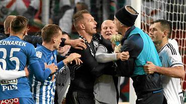 Legia Warszawa - Lech Poznań 2:1. Bójka w trakcie meczu