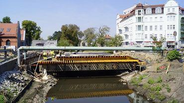 Budowa nowego mostu nad Kłodnicą w Gliwicach