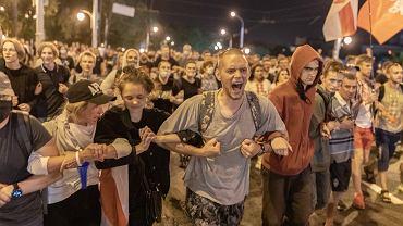 9 sierpnia - pierwszy dzień protestów w Mińsku po sfałszowanych wyborach prezydenckich na Białorusi