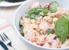 Sałatka majonezowa z łososiem - ugotuj