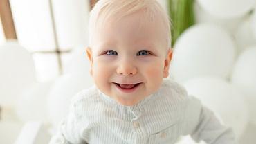 19-miesięczny Mikołaj Karelus z Białegostoku walczy z podstępną, okrutną chorobą - SMA, rdzeniowym zanikiem mięśni. Potrzebuje terapii genowej i rehabilitacji, a na ten cel - niewyobrażalnej kwoty 9 mln zł.