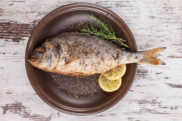 Schorzeniem najłatwiej można się zarazić jedząc niewłaściwie oczyszczone i przygotowane ryby