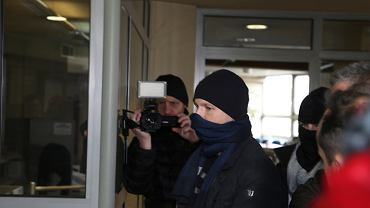 Były szef KNF Marek Chrzanowski doprowadzony do katowickiej prokuratury, 27 listopada 2018.