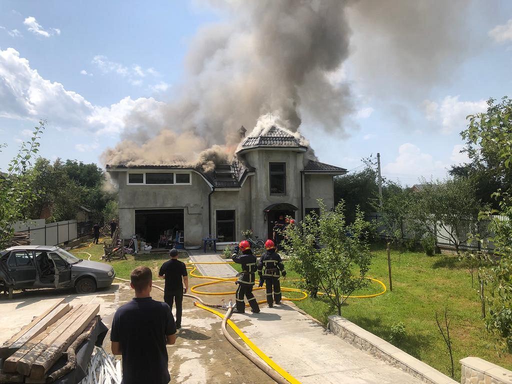 Ukraina. Sportowy samolot spadł na dom. Zginął pilot i pasażerowie