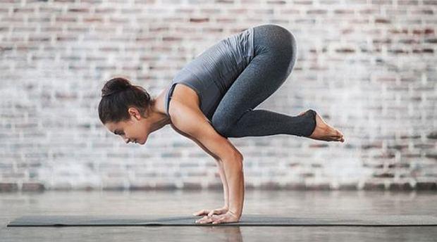 Wbrew pozorom joga doskonale odchudza. Zapisz się na zajęcia w nowym roku.