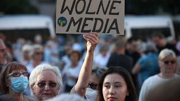 Protesty w obronie wolności mediów i stacji TVN