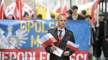 Tomasz Greniuch podczas Opolskiego Marszu Niepodległości