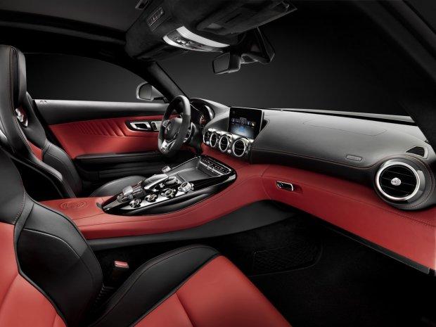 Salon Paryż 2014 | Wnętrze Mercedesa GT AMG