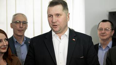 346 podpisów pod apelem o odwołanie Przemysława Czarnka. 'Niegodny stanowiska; rażące braki w wiedzy'