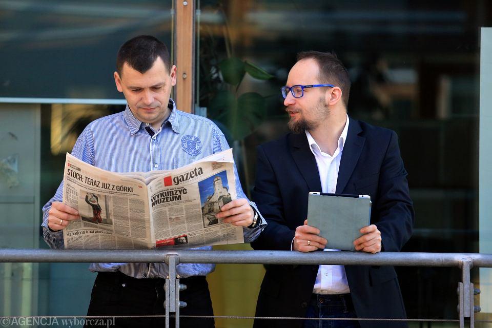 Leszek Kostrzewski i Piotr Miączyński, dziennikarze