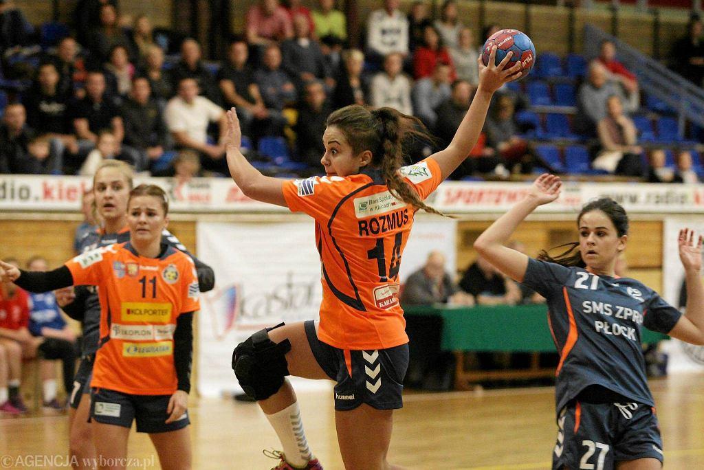 Martyna Rozmus podczas meczu Korona Handball - SMS ZPRP Płock