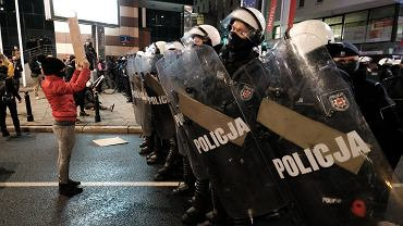 ;Blokada Sejmu zorganizowana przez Strajk Kobiet w Warszawie