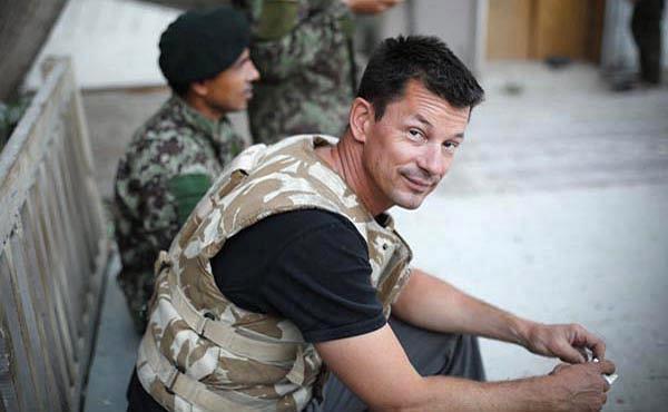Z pierwotnej grupy 23 zakładników w rękach radykałów pozostała już tylko trójka, wśród nich brytyjski dziennikarz, John Cantlie