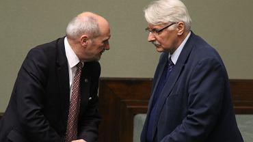 Szef MON Antoni Macierewicz oraz minister spraw zagranicznych Witold Waszczykiewicz