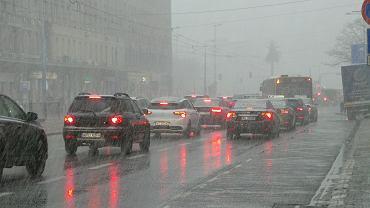Burza z deszczem i śniegiem nad Warszawą, 26 marca 2019