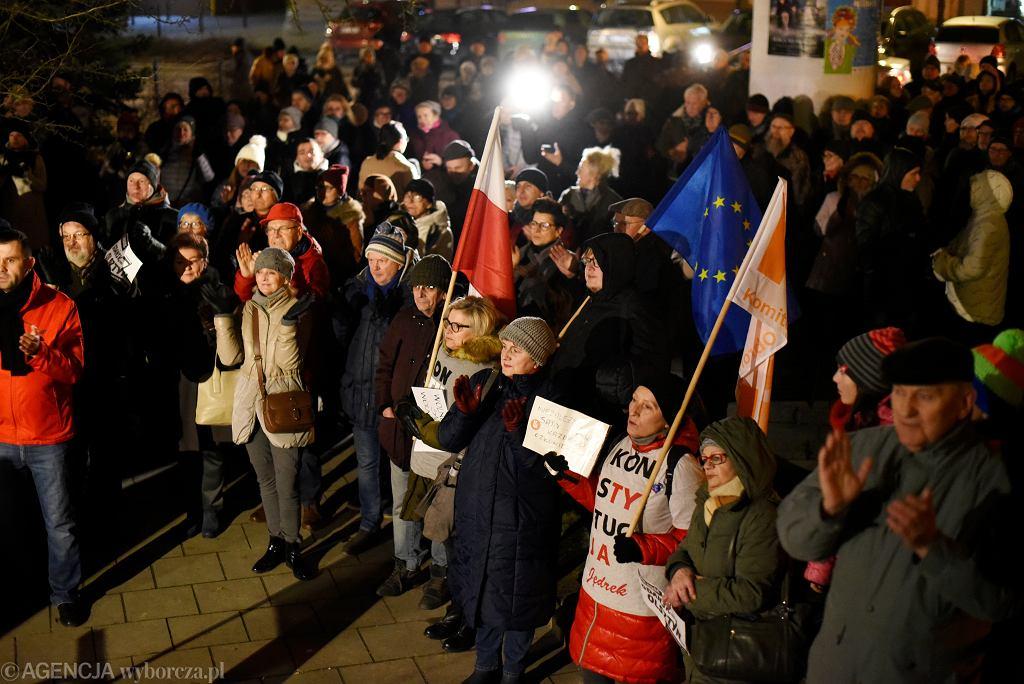 Wiec solidarności z sędzią Juszczyszynem w Olsztynie